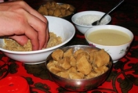 Dining in Lhasa, Lhasa Cuisine, Restaurants in Lhasa, Lhasa Dining Guide.